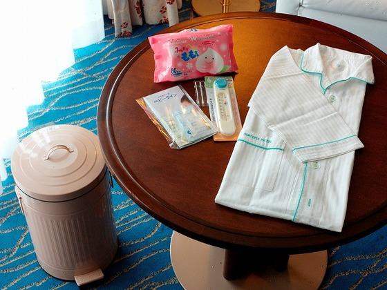 お子さま用パジャマ、ベビーグッズセット、おむつ捨て用ごみ箱