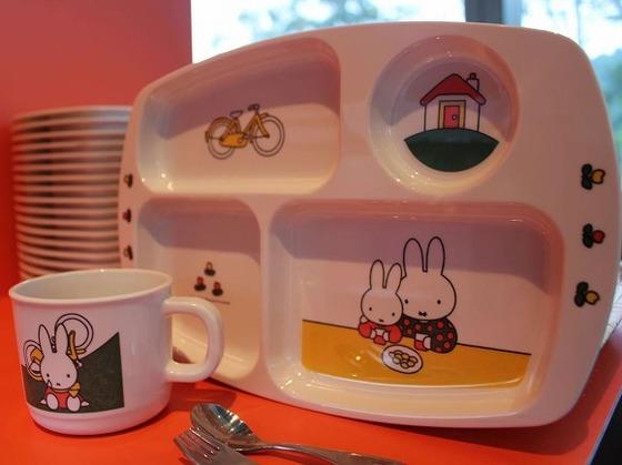 レストランではお子様用の食器類もご用意しております