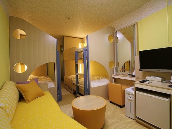 ちびっこ家族に人気の2段ベッドのお部屋「フォレストキャビン」
