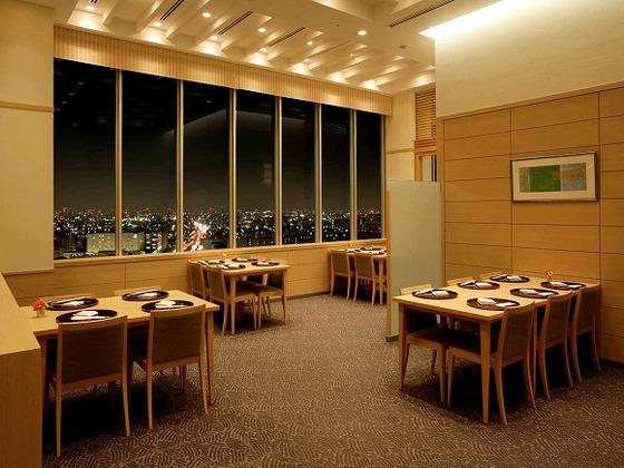 最上階22Fからの夜景とお料理が楽しめる「日本料理Kai」