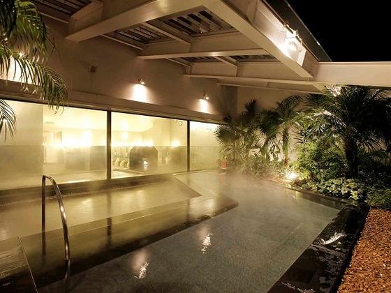 天然温泉付き大浴場「ほほえみの湯」。※有料