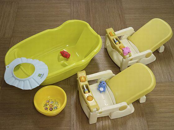 大浴場にはベビーバスの他、ベビーバスやお子様用のシャンプー・おもちゃをご用意。パパ・ママと一緒にご利用いただけます。
