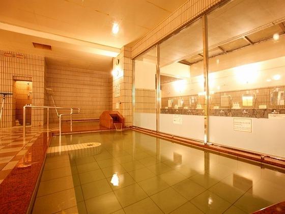 源泉かけ流しの温泉は食塩泉により保温・保湿効果抜群