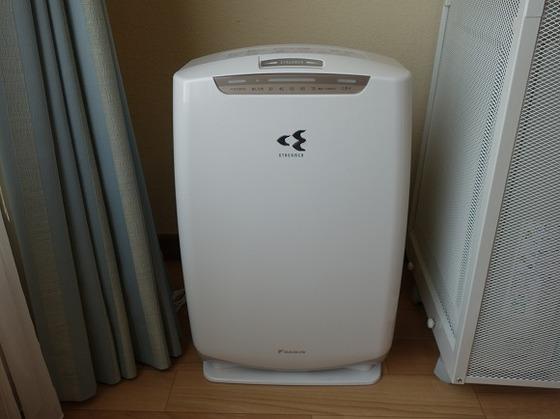 加湿機能付き空気清浄機(客室内備品)
