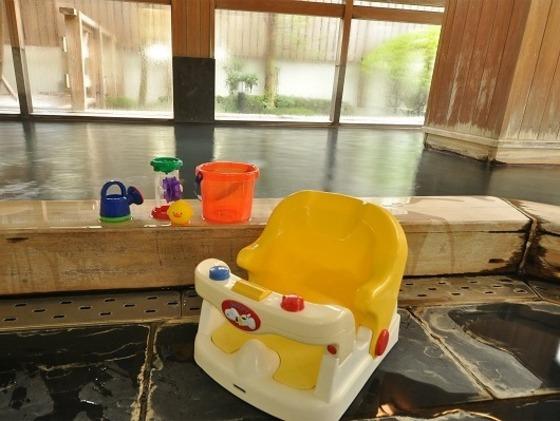 大浴場にはベビーソープはじめ、おもちゃをご用意。