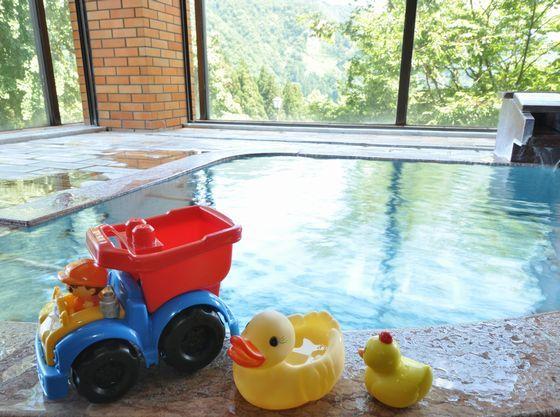 大浴場にも赤ちゃん専用おもちゃをご用意