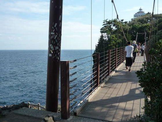 城ヶ崎海岸の吊橋はしっかり手を繋いで!車で15分