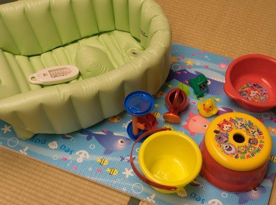 ベビー用バス、お風呂用おもちゃをご用意致します。