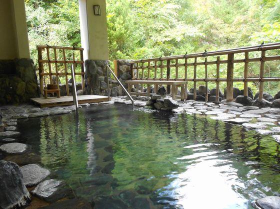 清々しい空気が心地よい露天風呂。
