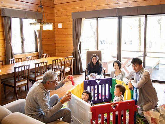 お子さまとのご旅行も安心。別荘のようにくつろげるお部屋。