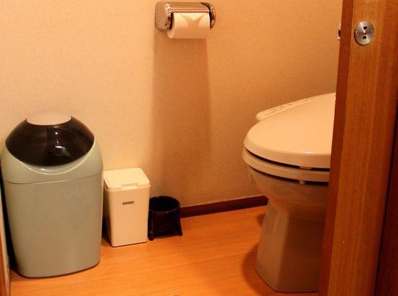 キッズルーム専用トイレ。オムツ処理用ボックスをご用意