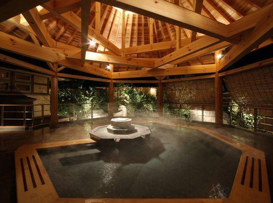 南部曲り家の湯「赤松の湯」に隣接した露天風呂