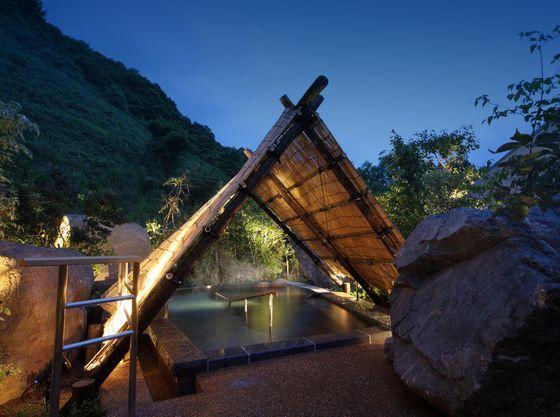 南部曲り家の湯「大岩の湯」に隣接した露天風呂