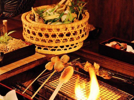 炭火をおこしてお客様の好きな焼き加減でお召し上がりいただきます!!