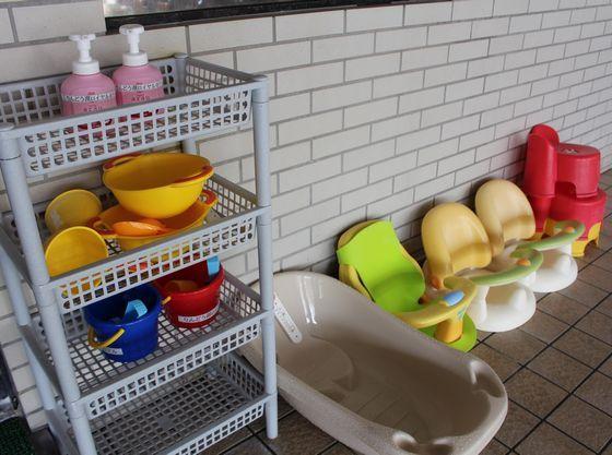 小さなお子様もご入浴いただける備品をご準備。