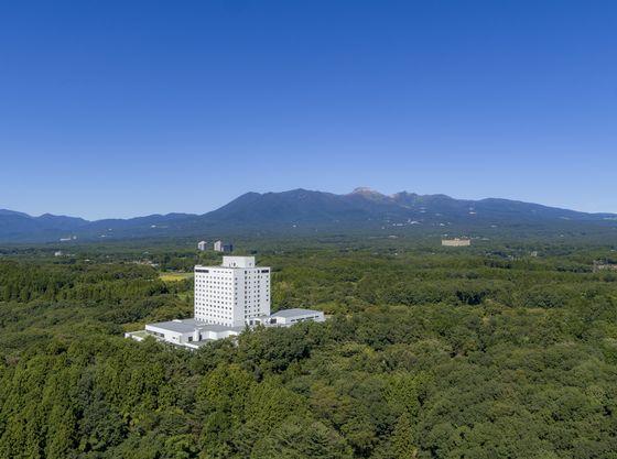 最上階や客室から、四季折々の那須の景色を楽しめます