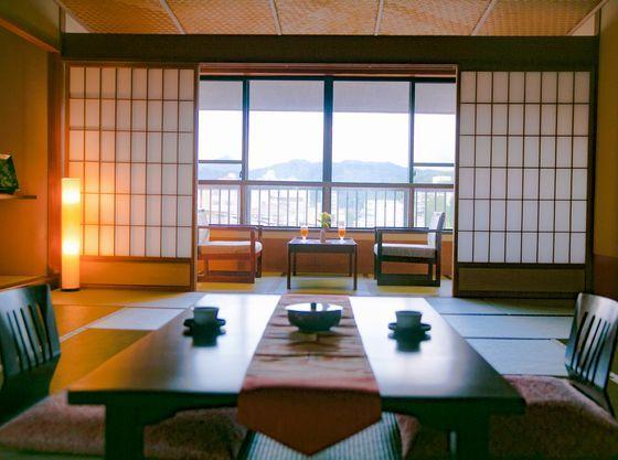 お部屋は全て、落ち着いた数寄屋造りの和室となります