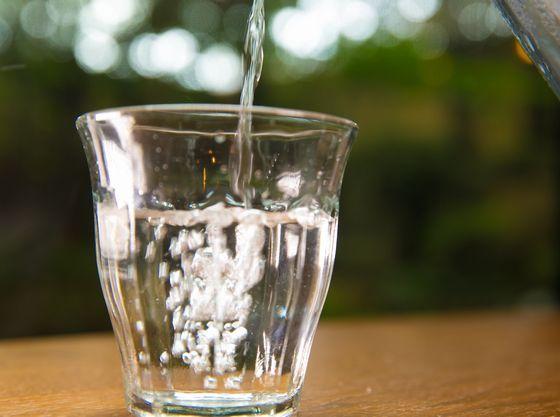 お部屋の蛇口、お風呂のシャワー、料理にいたるまで宝生亭のお水は全て綺麗な湧き水です