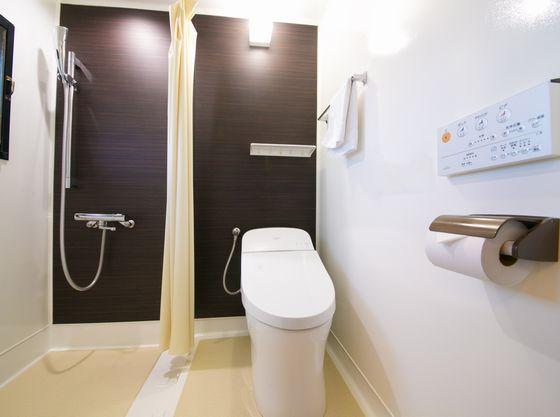 2015年に最上階のお部屋は全てトイレ+シャワーブースに改装しております。