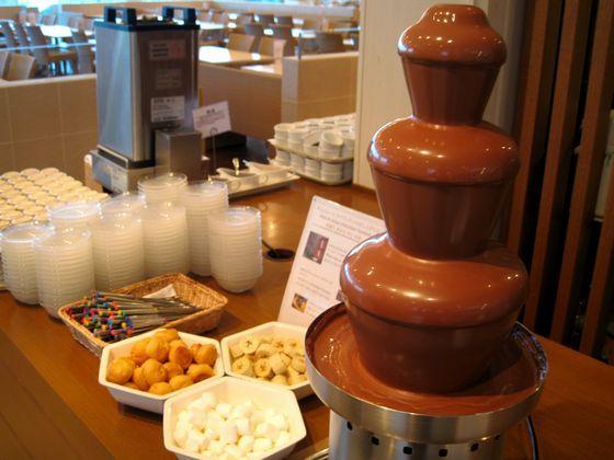 体験型の「綿菓子」「チョコレートファウンテン」が、大人気!