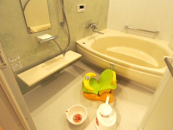 3世代一緒の入浴タイムもプライベートにらくらく楽しめます