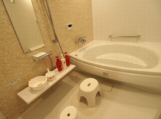 家族風呂を客室専用でご用意。大人1名と子供2人でも楽々。