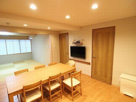 リビングと琉球畳の和室がつながり広々。子供が遊ぶのも安心