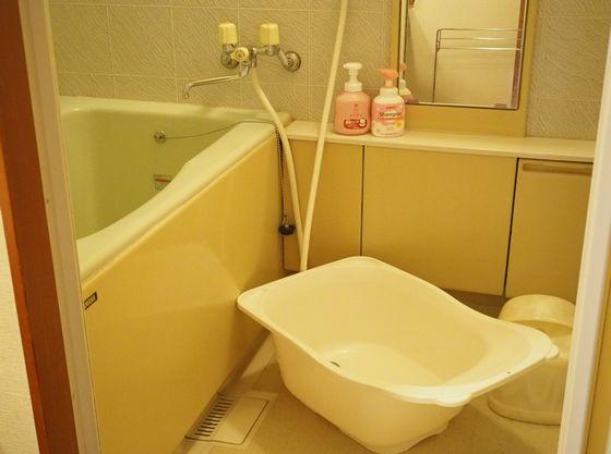 客室内お風呂。シャワーもあります。ベビーバスをご用意。