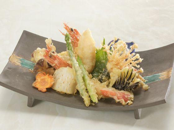 単品のメニュー。魚介と地野菜の天婦羅