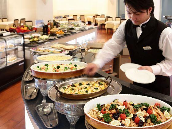 肉・魚のボリューム満点の料理も、野菜中心のヘルシーな料理も。