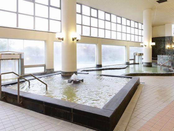広々とした大浴場パレス。バラエティ豊かな温泉を楽しめます。
