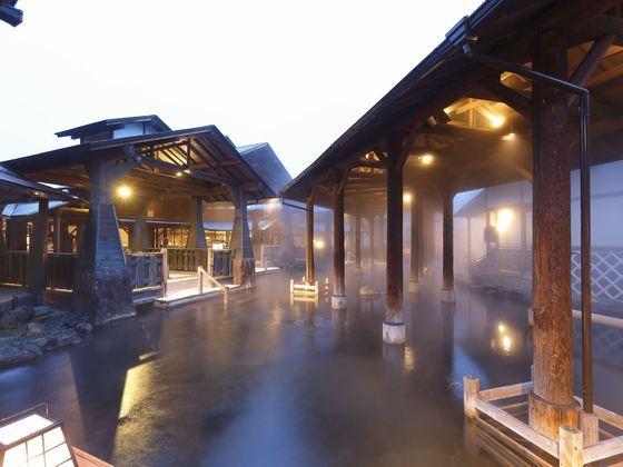 世界最大級の露天風呂「与市」もお楽しみください。