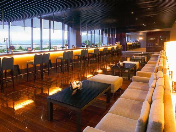 The Lounge:スロープがあるからベビーカーでも楽々♪スイーツも愉しめます