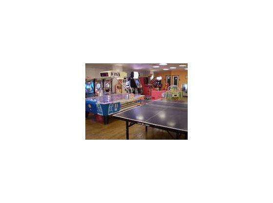 館内にてゲームコーナー、卓球コーナーあり。週末にはビンゴ大会開催