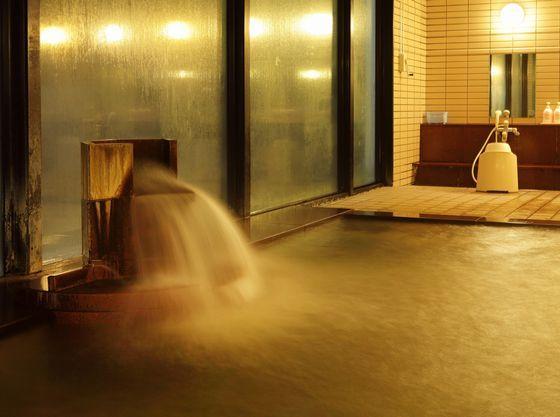 広々とした内湯の温泉で日ごろの疲れを癒してください。