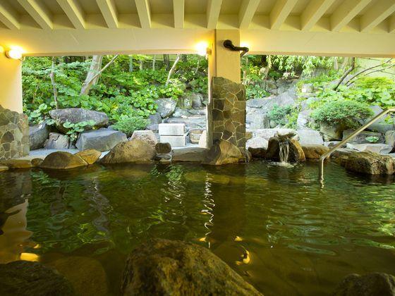 岩風呂・檜風呂は男女日替わり制です