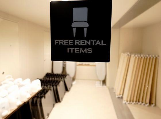 ベッドガードも常備しているレンタルコーナー(1階、3階、5階)