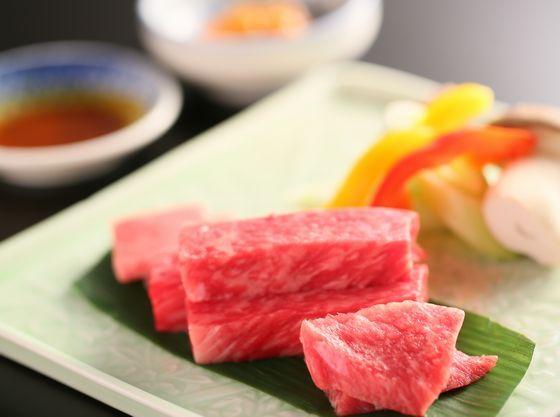 【信州アルプス牛】の人気部位3種をステーキで。
