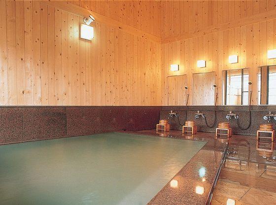 3種類(貸切風呂は2種類)の源泉をブレンドしたやわらかな肌ざわり