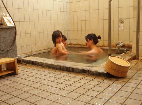 ご宿泊のお客様はどなたも無料でお入りいただける貸切家族風呂。