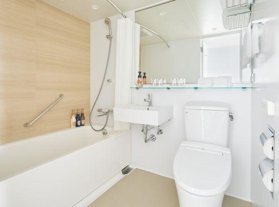 清潔感の溢れるバスルーム