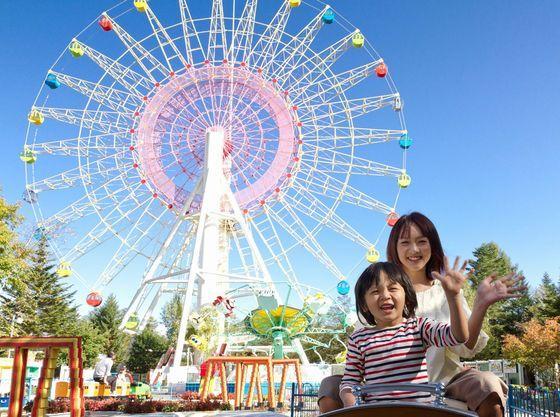軽井沢おもちゃ王国は車で約15分。優待前売り券も販売中