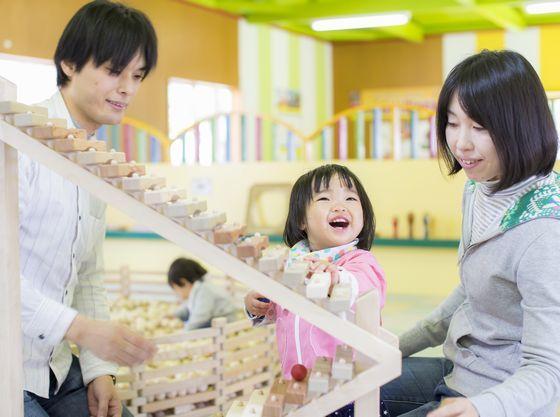 雨でも安心な室内パビリオン~軽井沢おもちゃ王国