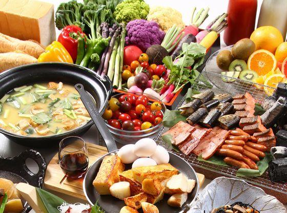 朝食は和洋バイキングをご用意。好きなものをいっぱい召し上がれ