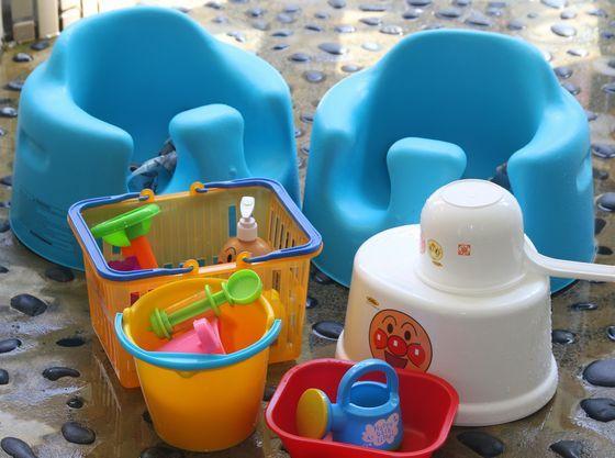 温泉にもバンボやおもちゃなどお子様グッズをご用意しています