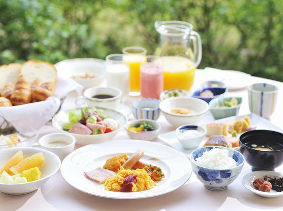 【朝食(一例)】和洋を中心とした充実のラインナップをご用意