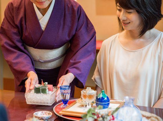 「昭和の森 車屋」で、日本庭園を眺めながら会席料理を