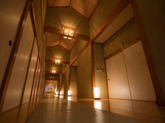 宴会場前廊下