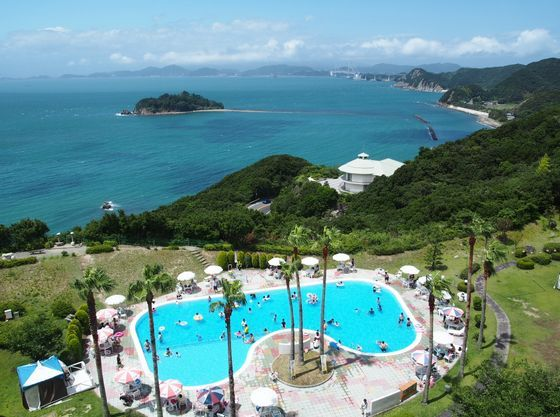 夏季には屋外プールも営業!水深約30cmのお子様プールもあり
