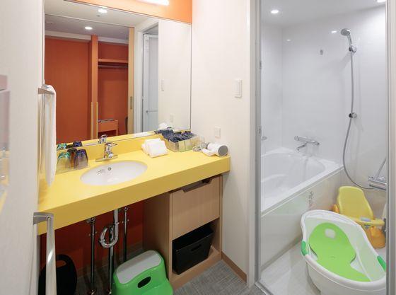 独立した洗面所・ベビーバスを置いても広く使える浴室